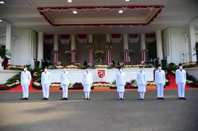 Prosesi Pengibaran Bendera Merah Putih di Istana saat Pandemi ...