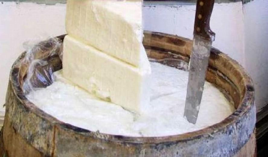 Η Φέτα, είναι το αρχαιότερο τυρί του κόσμου και η καταγωγή του ειναι ξεκάθαρα απο την Αρχαία Ελλάδα
