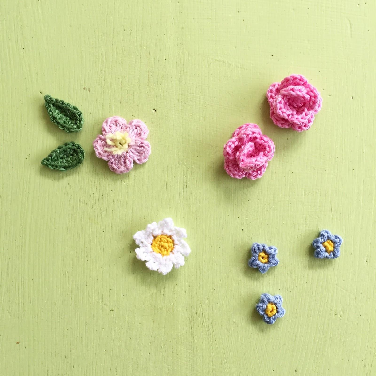 Zauberhafte Gehäkelte Blütenhaarspangen Und Ein Gehäkeltes