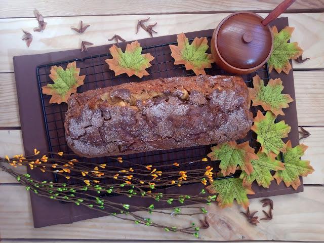 Receta de bizcocho de calabaza, manzana y nueces. Desayuno, merienda, postre. Otoño. Canela. Costra. Cuca