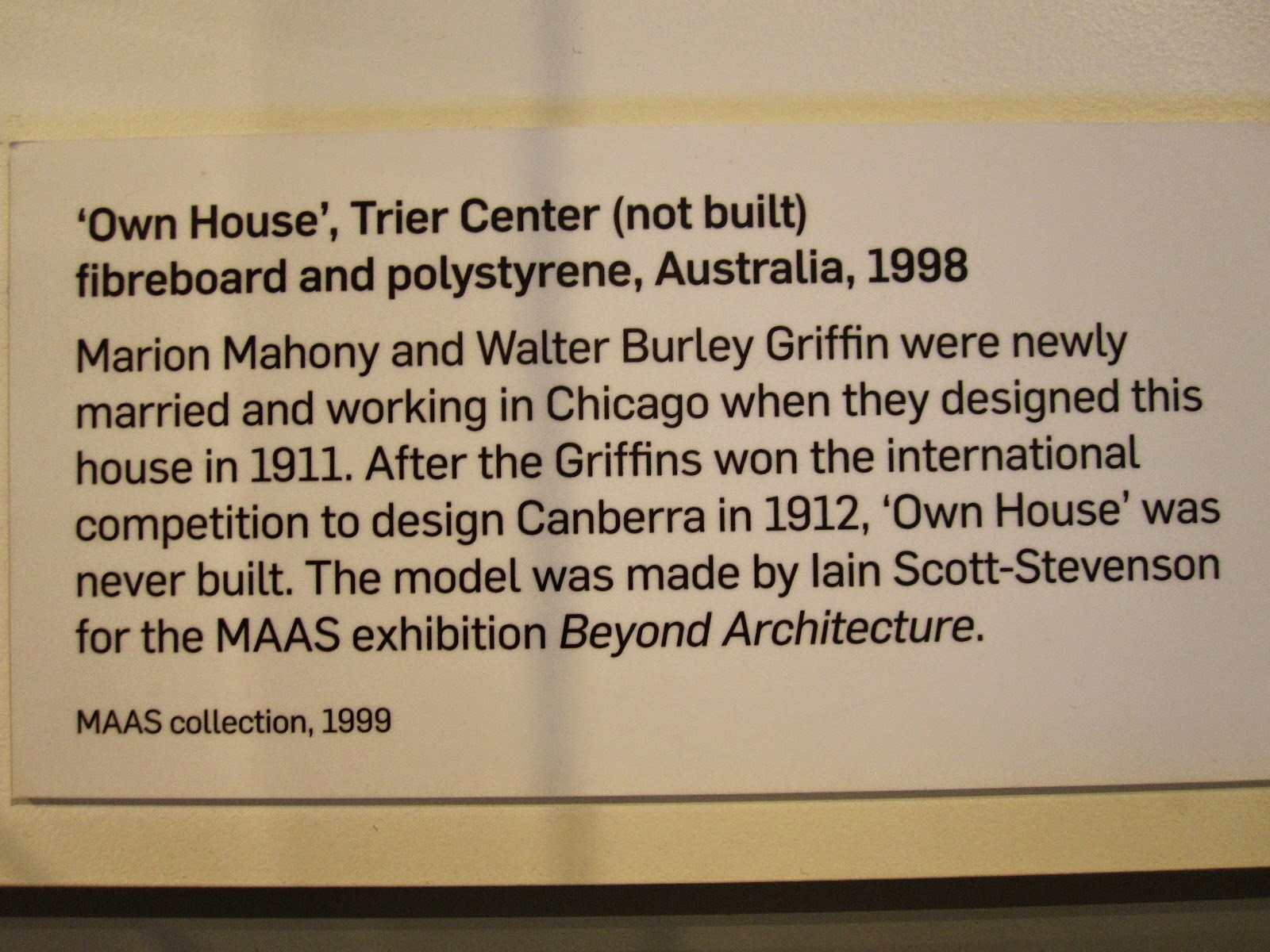 Exhibition sign for the model of 'Own house', designed by Walter Burley and Marion Mahony Griffin.