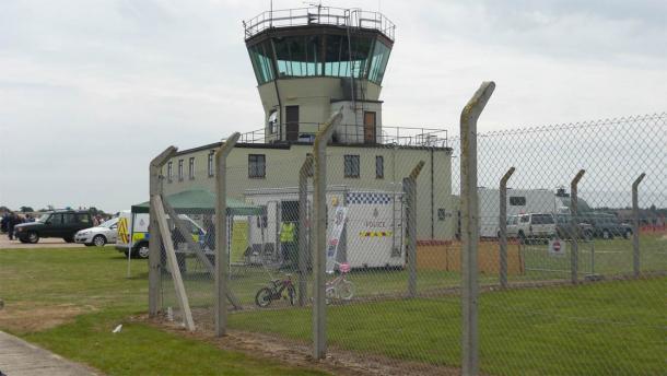 La vecchia torre di controllo ATC dell'ex campo d'aviazione RAF Bentwaters, dove avvenne l'incidente UFO di Rendlesham Forest. Il luogo è ora un parco.