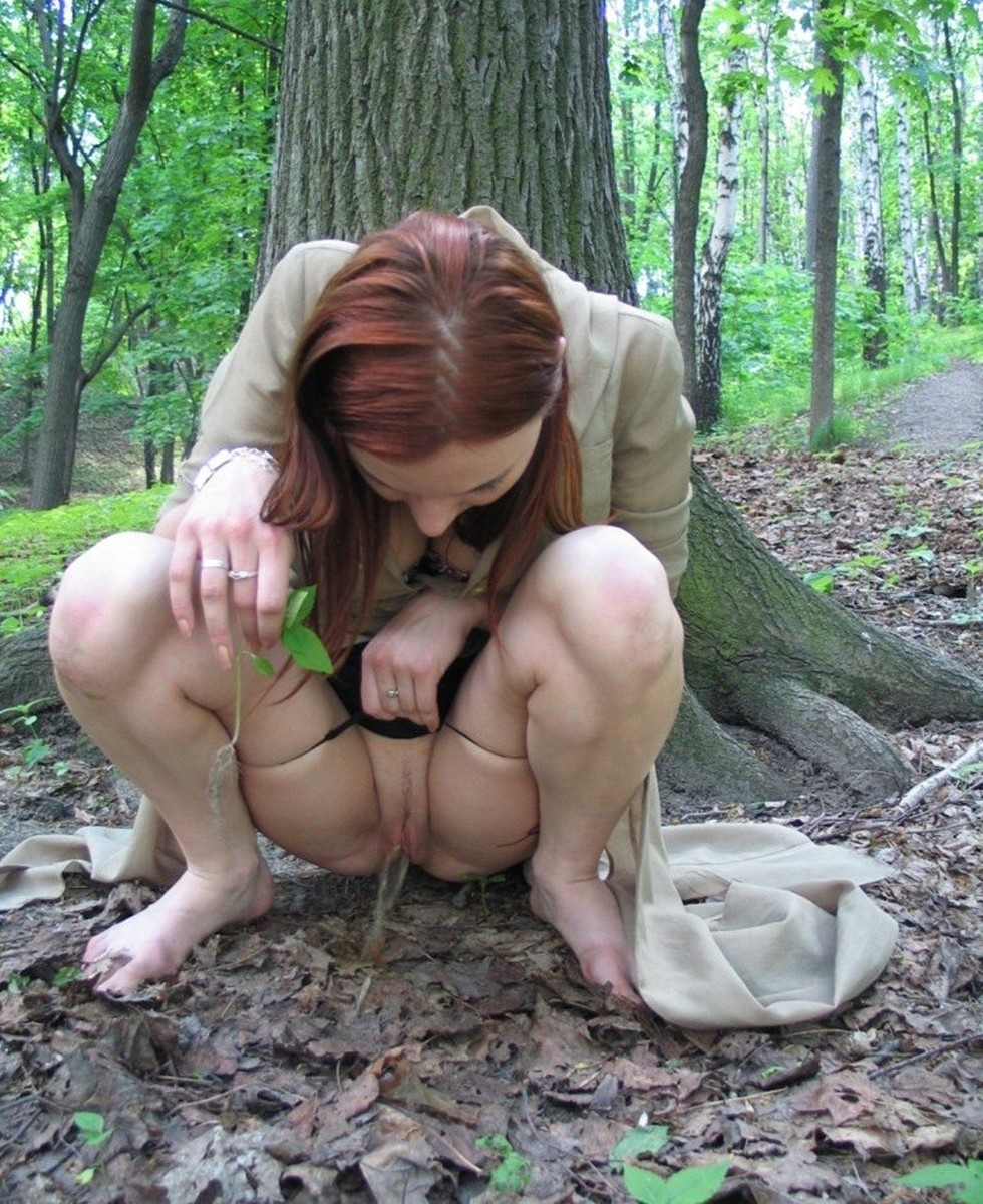 women-pissing-on-forest-carmen-hayes-anal-videos