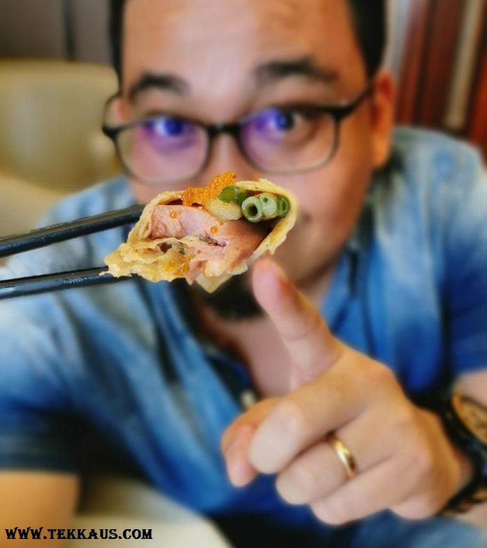 Yue Sheraton PJ Menu Imperial Smoked Duck wrapped in egg pancake and Peking Sauce