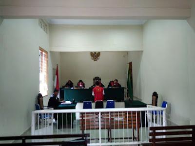 Bambang Telaumbanua di Tuntut 2 Tahun Penjara Karena Mencuri Ikan Rebus