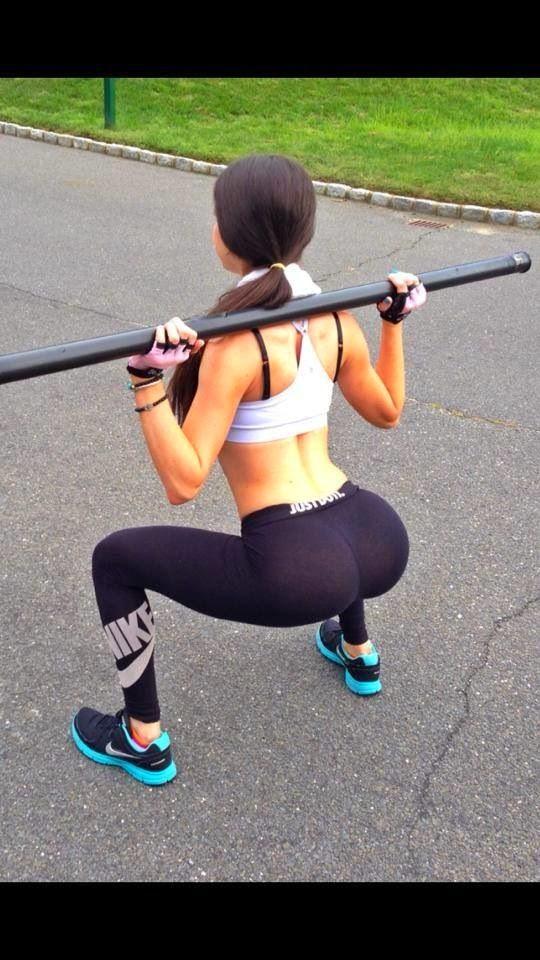squat per muscoli del sedere