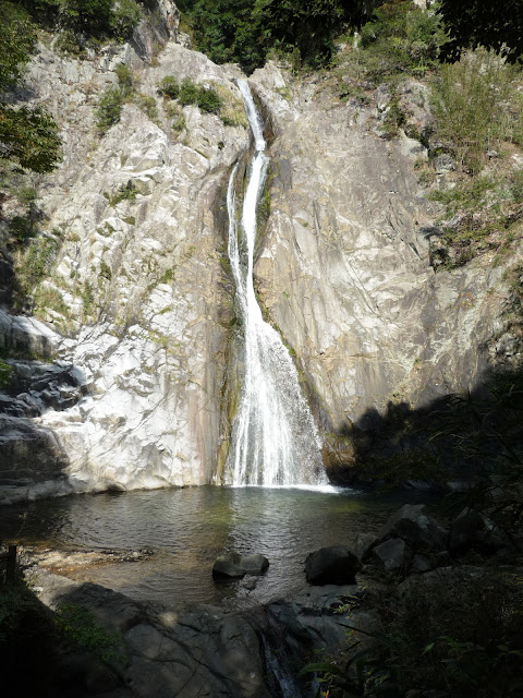 The Nunobiki waterfall as seen while walking down to Shin-Kobe station from the Nunobiki Herb Garden