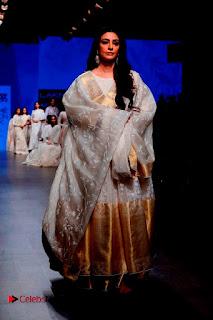 Actress Tabu Walk on Ramp for Gaurang Shah at Lakme Fashion Week  0009.jpg