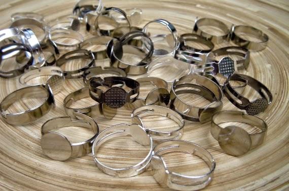 Nieuw Atelier Hobbekol! Zelf ontworpen en handgemaakte sieraden RY-37