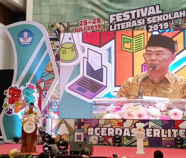 festival literasi sekolah dukung bakat siswa