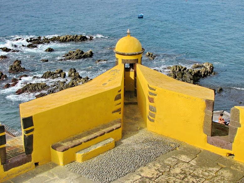 yellow detail