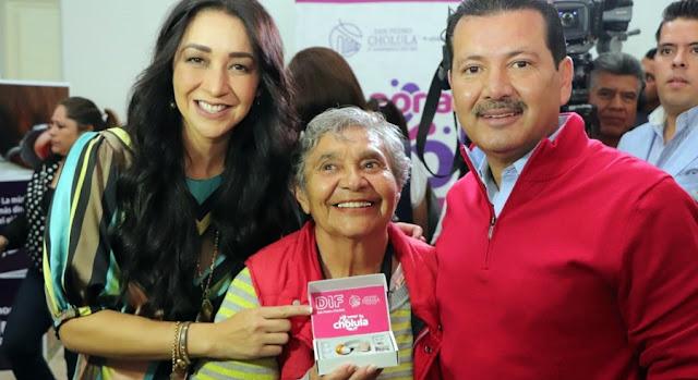 DIF Municipal de San Pedro Cholula logra la entrega de 80 equipos auditivos