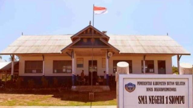 Gubernur Sulawesi Tenggara Dituduh Keluarkan SK untuk Guru Honorer Siluman