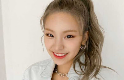 hwang yeji menikah itzy