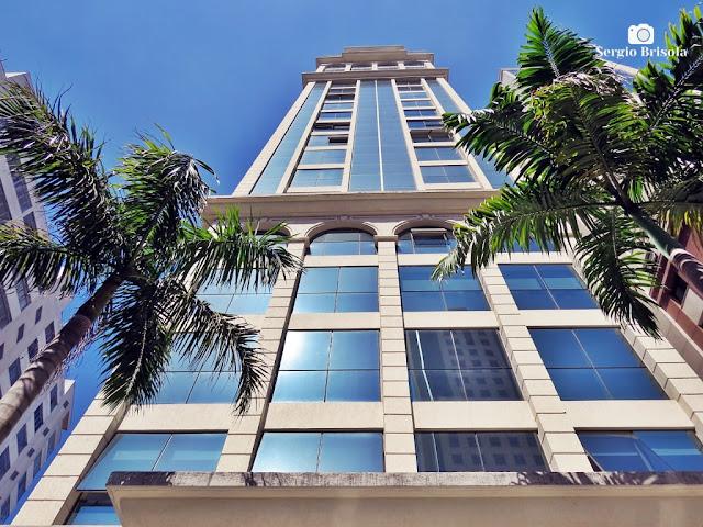 Perspectiva inferior da fachada do Edifício Brasília Offices Angélica - Consolação - São Paulo