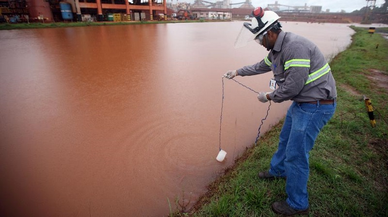 Noruega é a maior acionista da mineradora que é acusada de provocar acidente ambiental com água contaminada na Amazônia