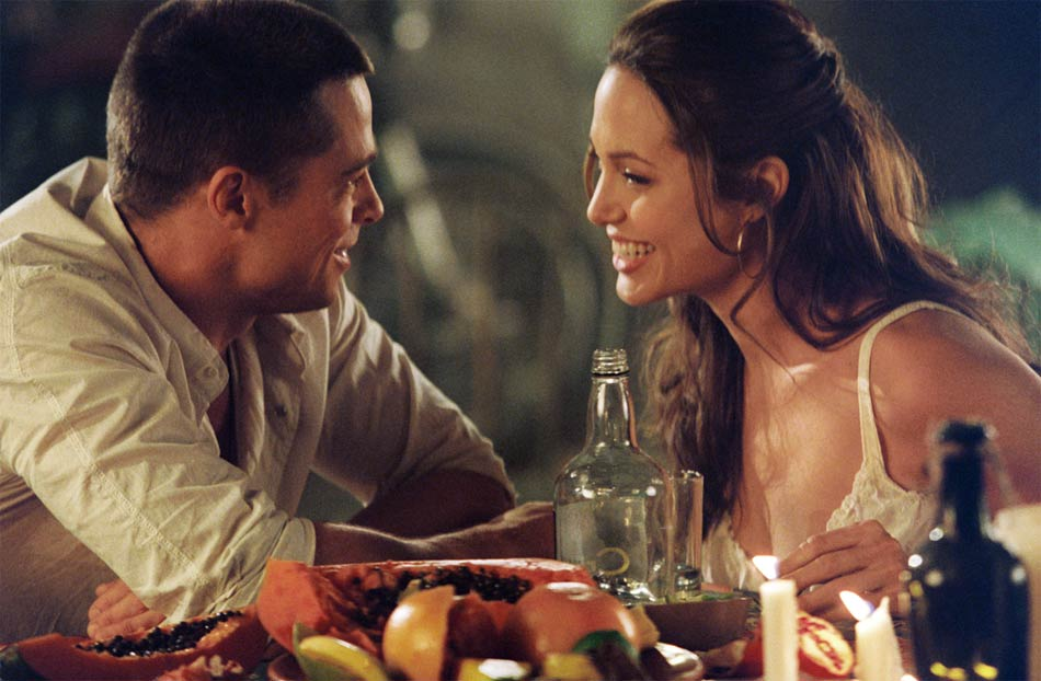 The Ace Black Movie Blog Movie Review Mr And Mrs Smith 2005