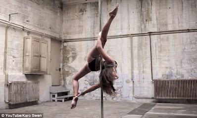 Top plesačica pokazuje vrtoglave poteze kroz ples