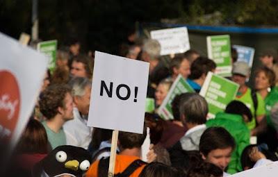 النمسا,مظاهرات,رافضة,لإجراءات,كورونا