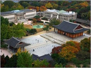 พระราชวังท็อกซู (Deoksu Palace)