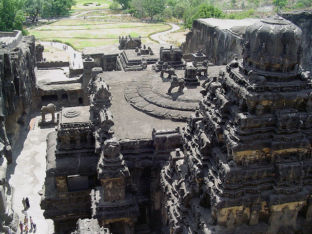 Kailasa Temple Ellora Facts in Hindi