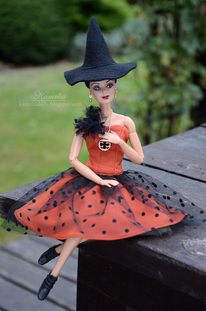 Halloween costume for Barbie made to move doll