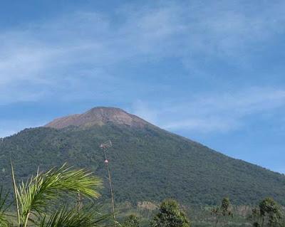 Misteri dan mitos gunung slamet