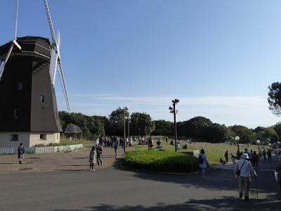 花博記念公園鶴見緑地 風車の丘
