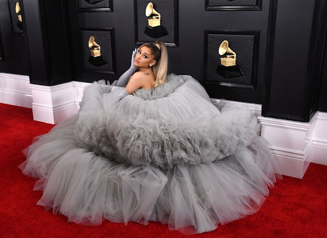 Fans Freak Over Ariana Grande's SEXY '34+35′ Music Video