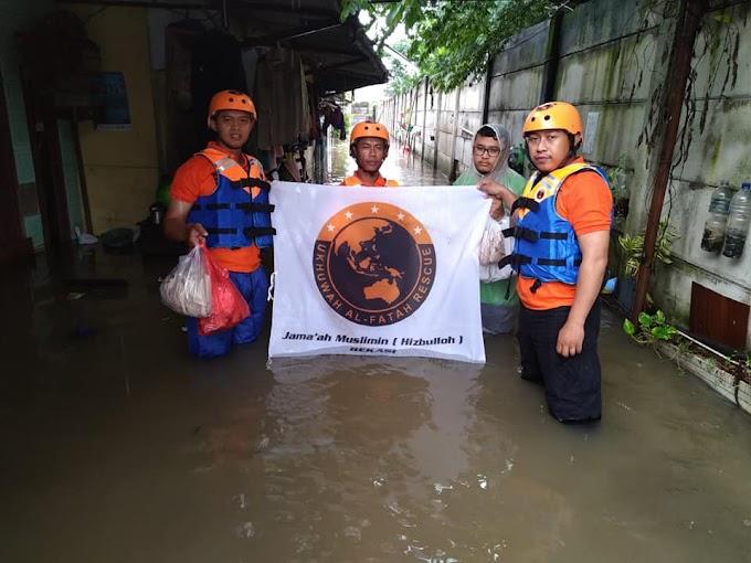 UAR Distribusikan Sarapan Untuk Korban Banjir Medan Satria, Bekasi