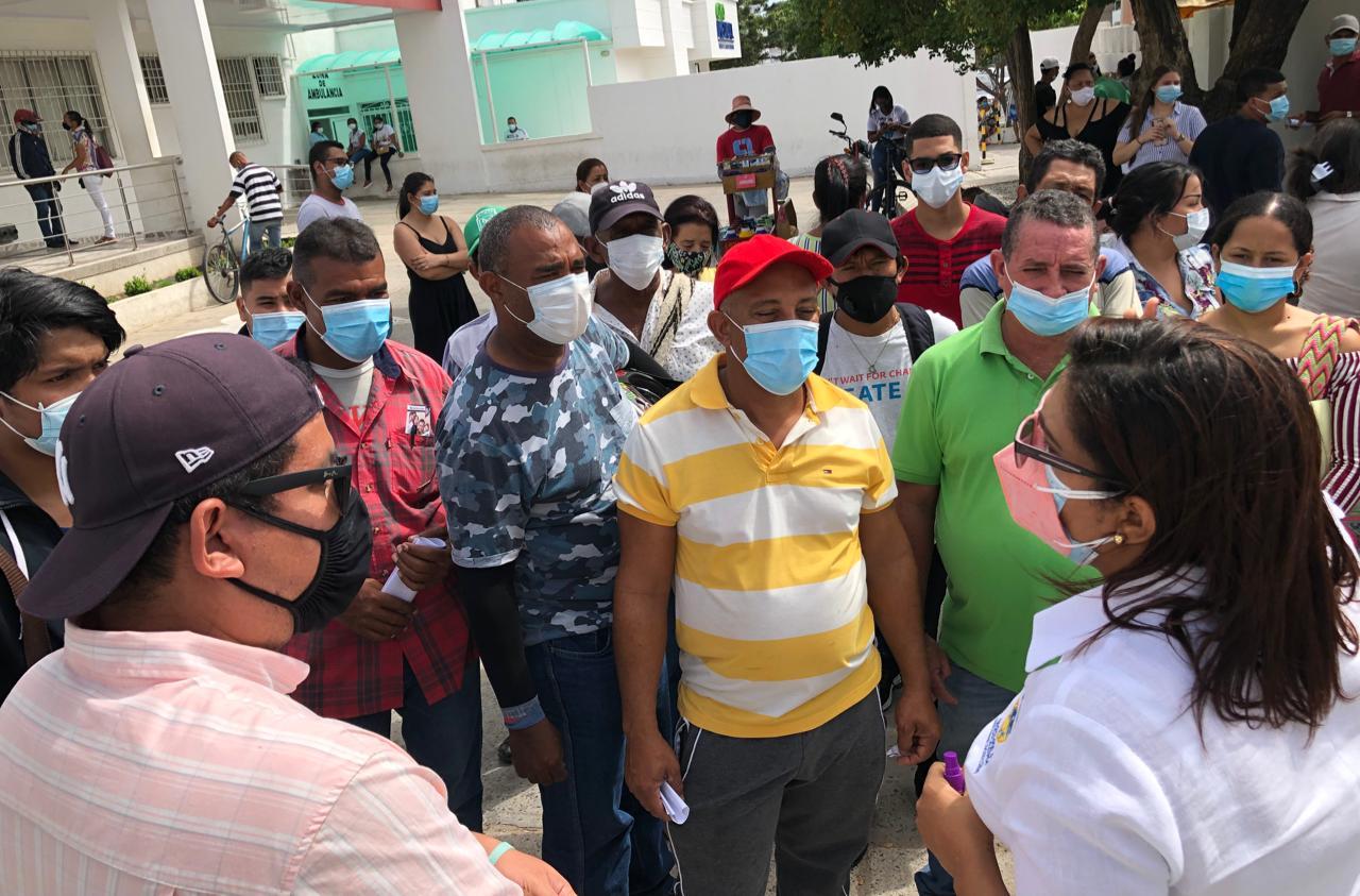 https://www.notasrosas.com/Vacunación Masiva Contra Covid-19 en Riohacha: Secretaría de Salud no permitirá 'colados' de otras ciudades de Colombia