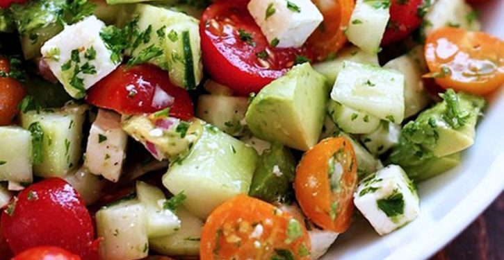Delicious Salad Deflates The Belly And Cleans The Body