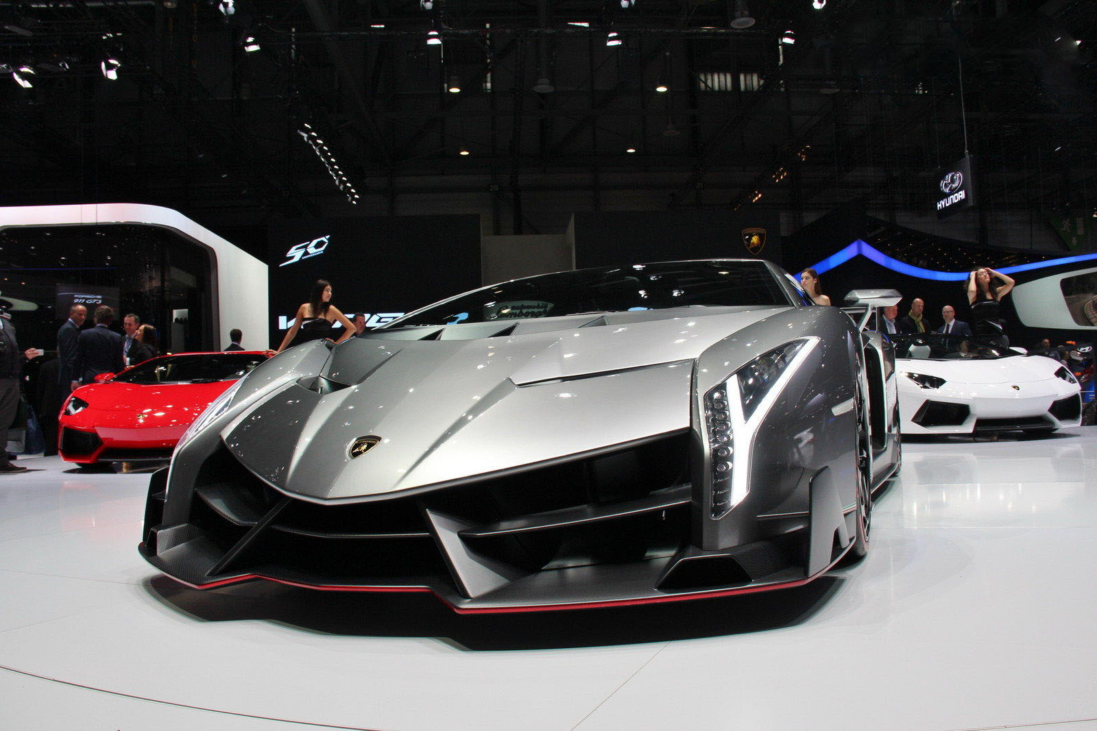 car in Lamborghini Veneno 2013