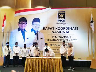 Rakornas PKS Serahkan SK Pengusung Kepada Calon Kepala Daerah