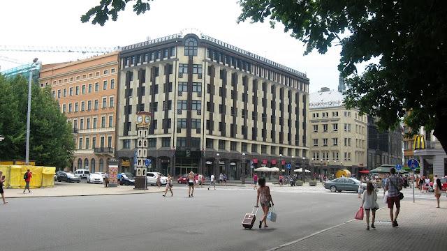 skaista fotografija Riga Laima pulkstenis hotel