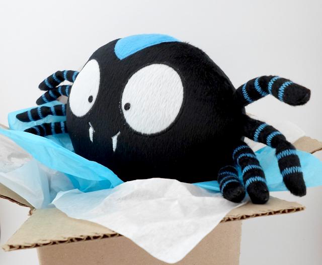 Araña de Peluche Personalizada, Spoky,  Guyuminos