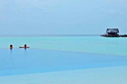 Foto Keindahan Pantai di Maladewa Island