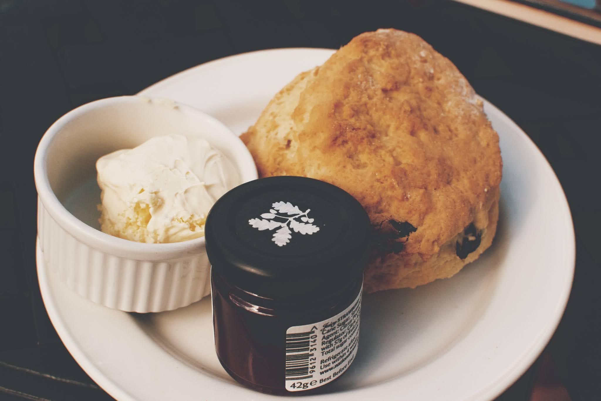 sam edwards cream tea in cornwall and devon
