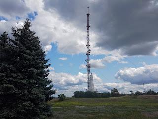 Ізюм. Гора Кременець (Крем'янець). Військовий меморіал і телевізійна вежа