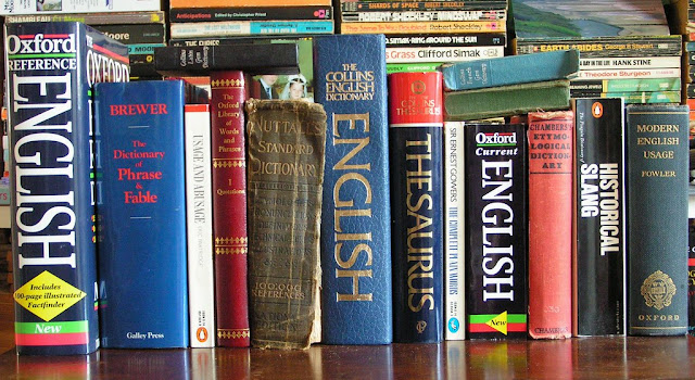 ENGLISH DICTIONARIES Each picture is accompanied by a link to a free download
