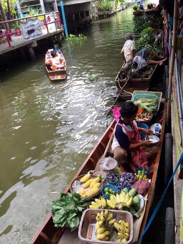 Chợ nổi Khlong Lat Mayom mộc mạc nét quê