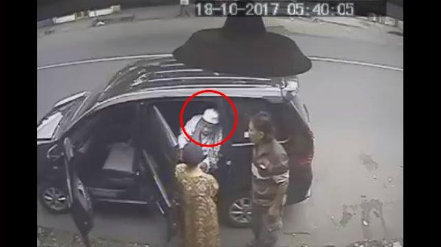 Keterlaluan! Jambret Berpenampilan Kyai Ini Berkeliaran di Jawa Timur, Lihat Aksinya yang Terekam CCTV