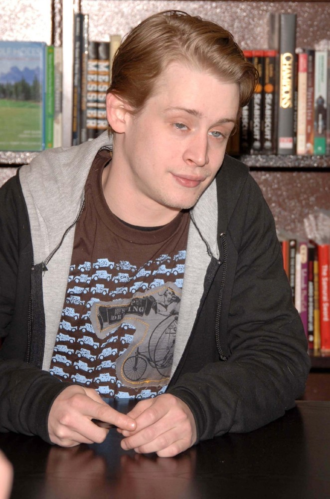 Macaulay Culkin Hairstyles Men Hair Styles Collection