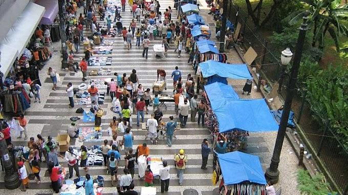 Informalidade bate novo recorde em outubro, diz IBGE