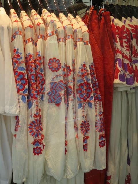 blouse fleurie - image jpg