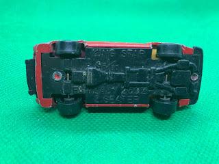 NISSAN FAIRLADY 280Z-T のおんぼろミニカーを底面から撮影