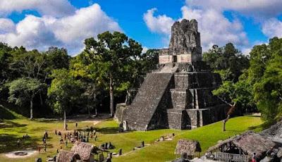 Cidade-maia-Tikal