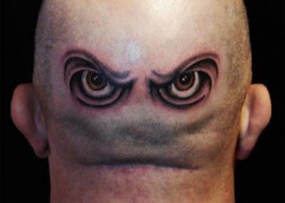 दुनिया से अलग दिखने के लिए लोग कैसे-कैसे टैटू बनवाते है, देखे इन 10 तस्वीरों में