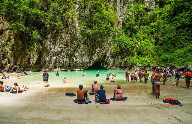 Cavernas Emerald, Koh Muk, Tailândia | Hidden Beach in Emerald Caves (Morakot Caves), Koh Muk Island, Thailand