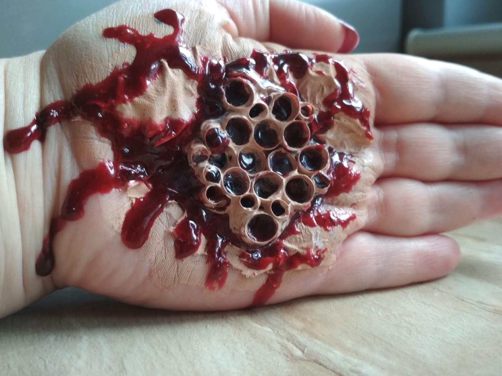 halloween, lifestyle, halloween makeup, trypofobia, sztuczna krew, DIY,
